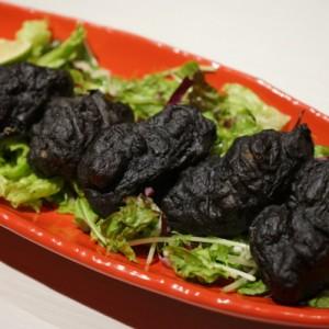 黒い唐揚げ? 料理の最先端「otanto 料理人W」の新感覚メニューが凄すぎる!
