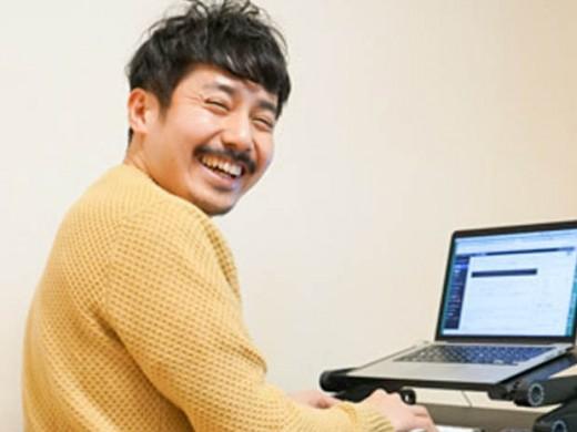 肩がこる人必見!良い姿勢でパソコンにむかえるデスクワーク環境を格安で作る