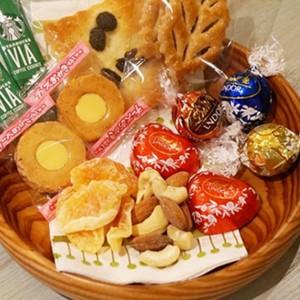 最強の「バレンタインデー菓子」チョイス王は誰だ!? 第七回「菓子盆選手権」
