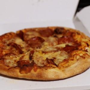 最後の一切れのピザが元に戻る!? 高速回転ピザ復元マシンを作った